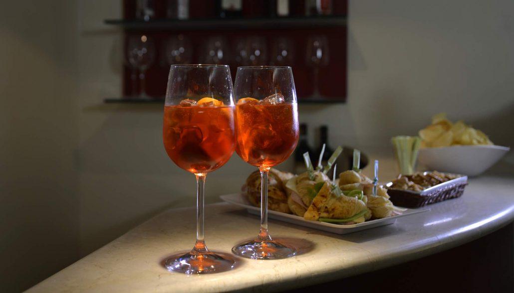 Bar and lounge area - BW Hotel Armando Verona