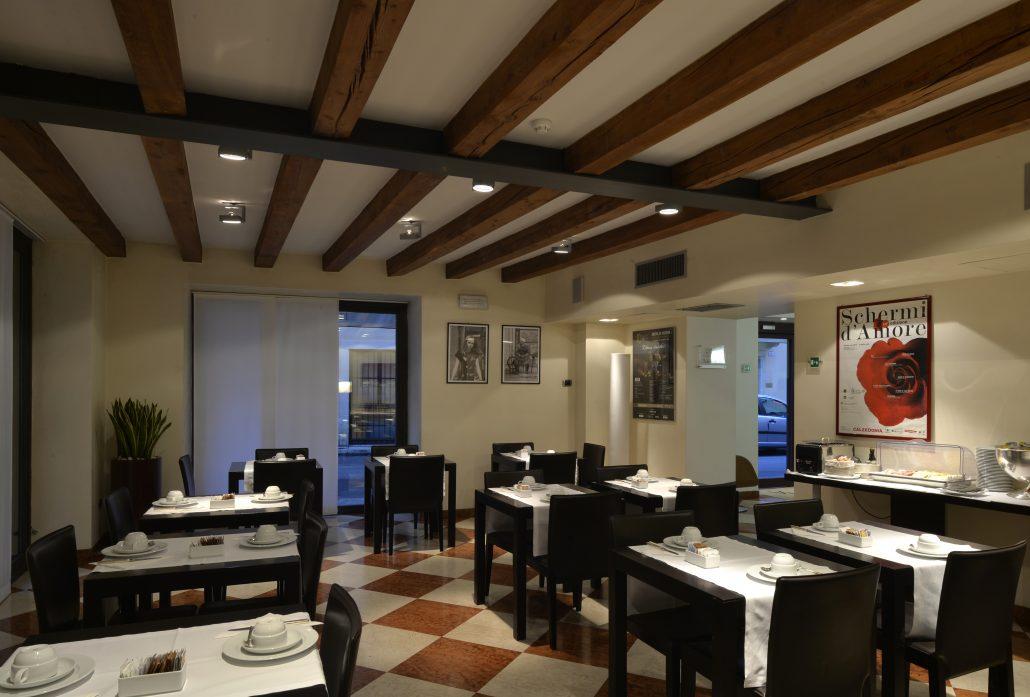 Breakfast room hotel Armando