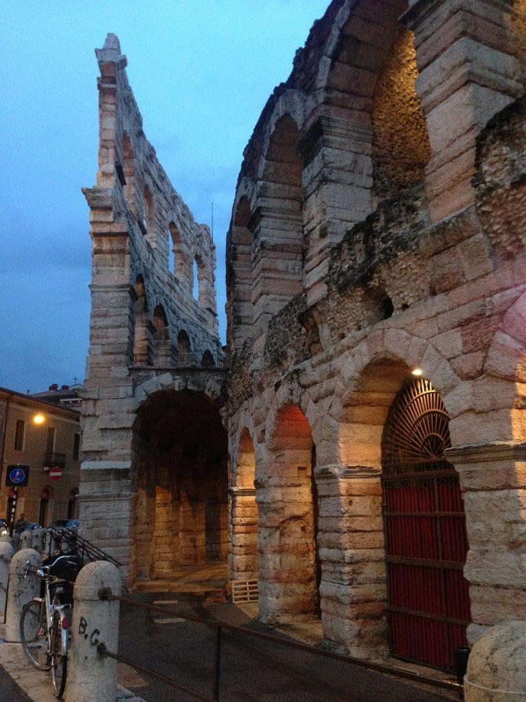Arena walking tour by night